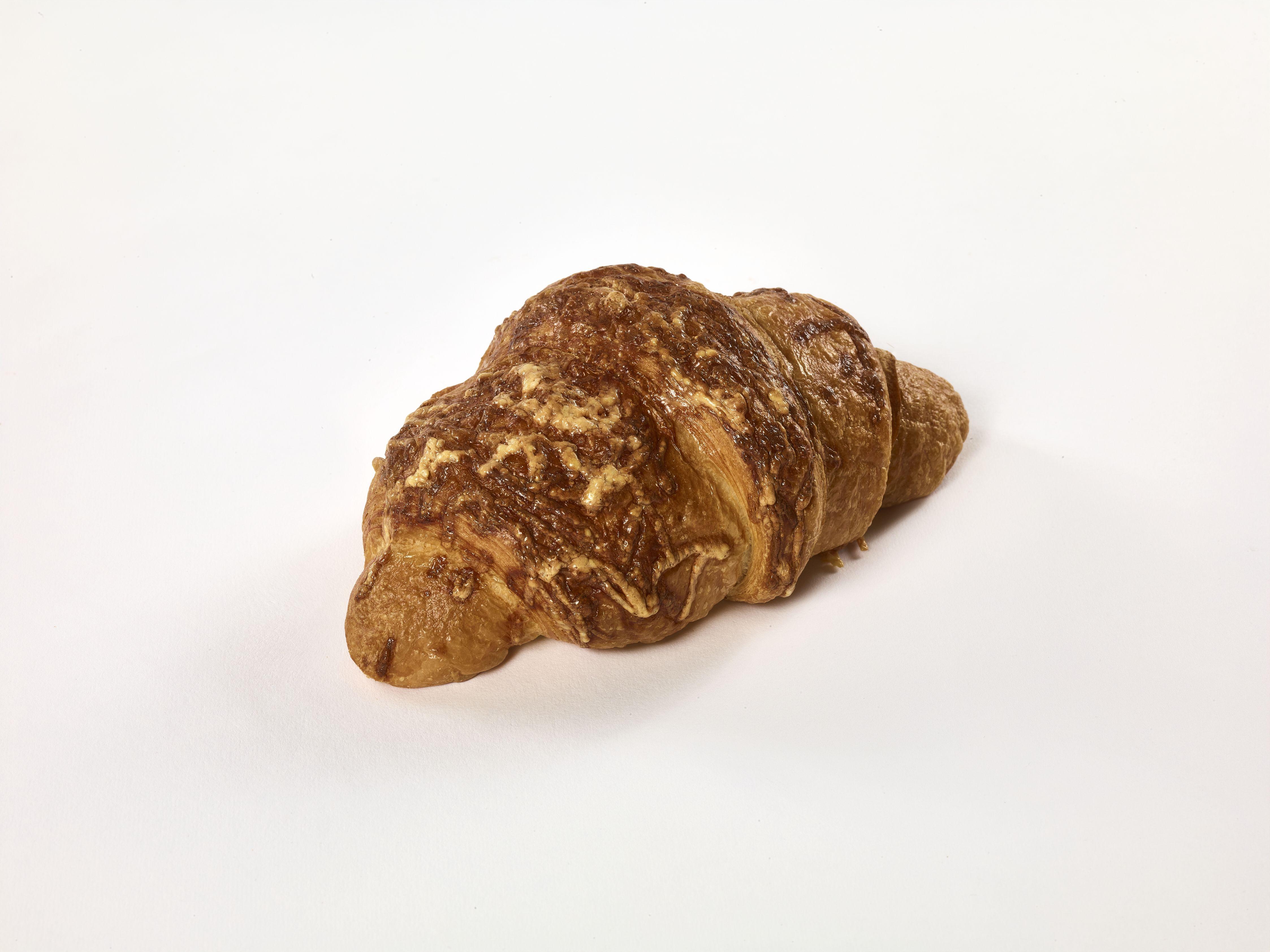 Füstöltsajtos croissant